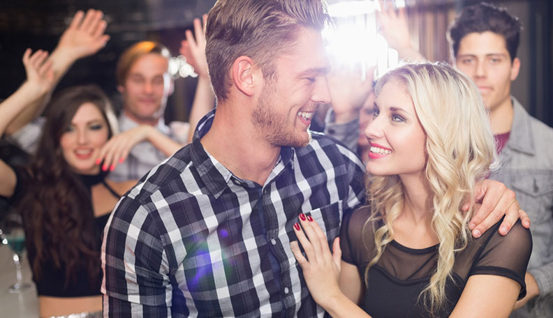 How-To-Handle-Your-Drunk-Girlfriend-On-A-Night-Out